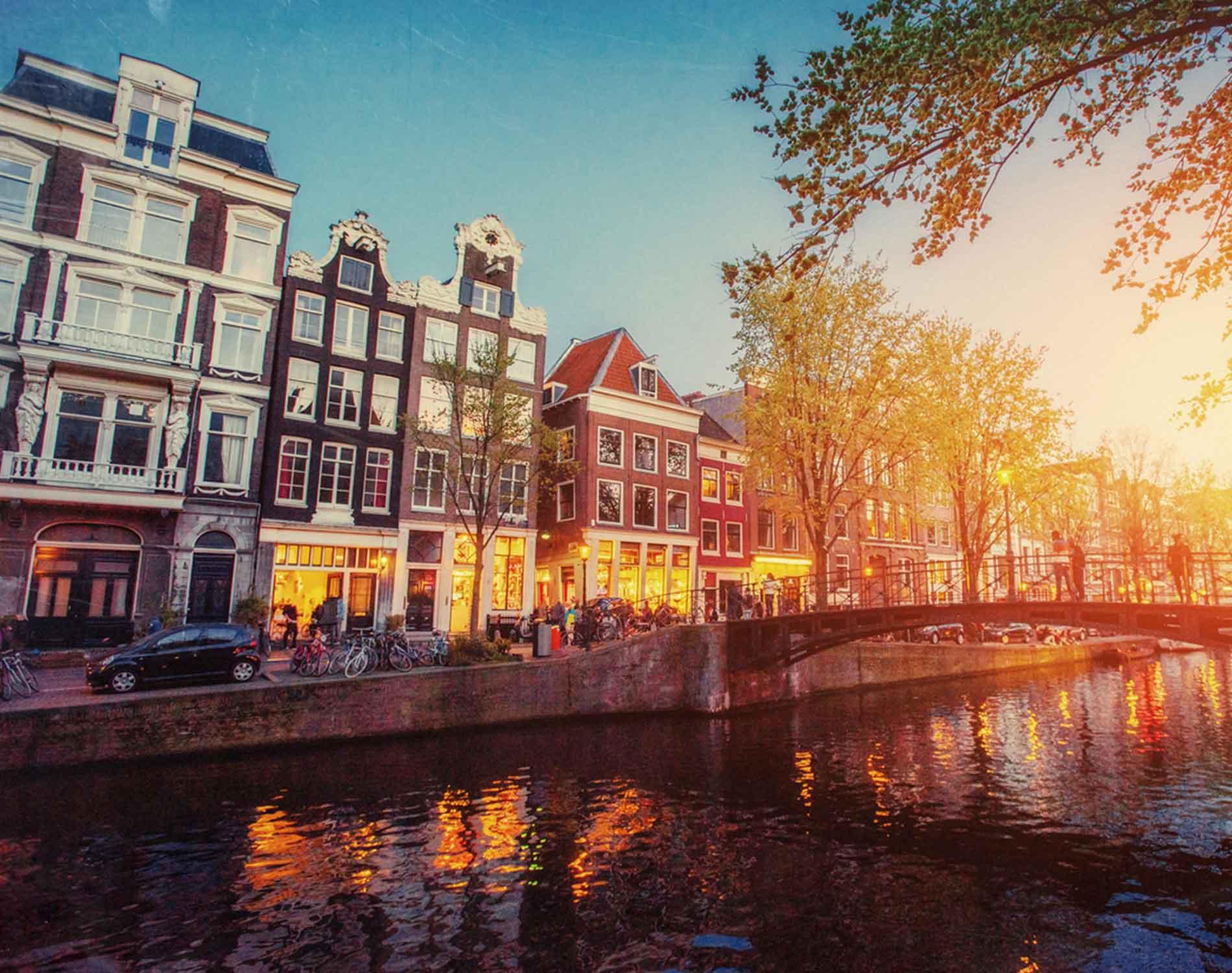 Vuelos baratos a Amsterdam desde Buenos Aires por ARS 19.384 finales