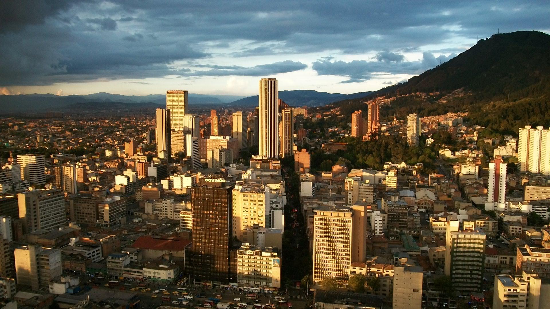 Vuelos baratos a Bogotá desde Buenos Aires por ARS 16.722 finales